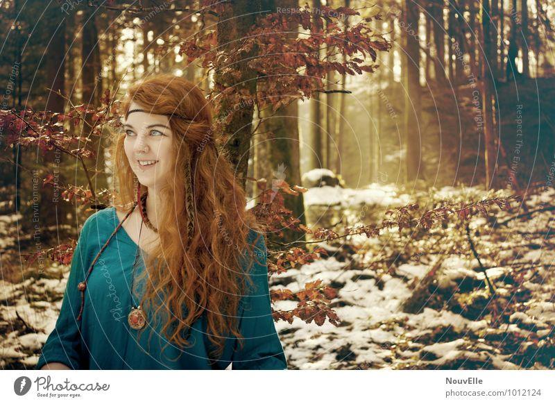 Up above. Mensch feminin 1 13-18 Jahre Kind Jugendliche 18-30 Jahre Erwachsene Bekleidung Haare & Frisuren rothaarig langhaarig Locken authentisch Hippie