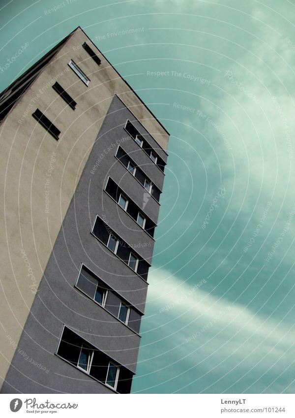 VAUBAN Himmel grün dunkel Hochhaus Dienstleistungsgewerbe türkis Geometrie graphisch Freiburg im Breisgau Pastellton