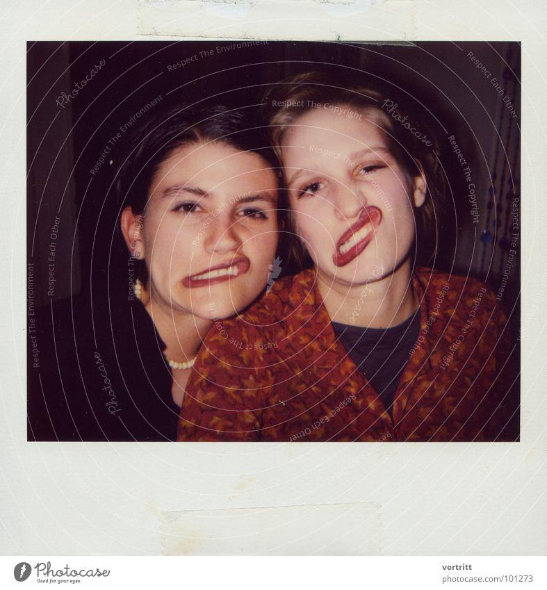 schnute II Frau Grimasse Porträt Lippen Ausgelassenheit Freude Mund Gesicht Polaroid Verzerrung Partygast