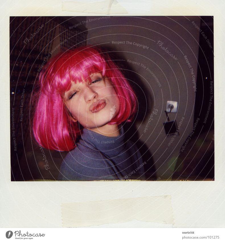 kiss Frau schön Freude Gesicht Liebe Party Mund rosa Polaroid Küssen Feste & Feiern Karneval Ausgelassenheit Perücke