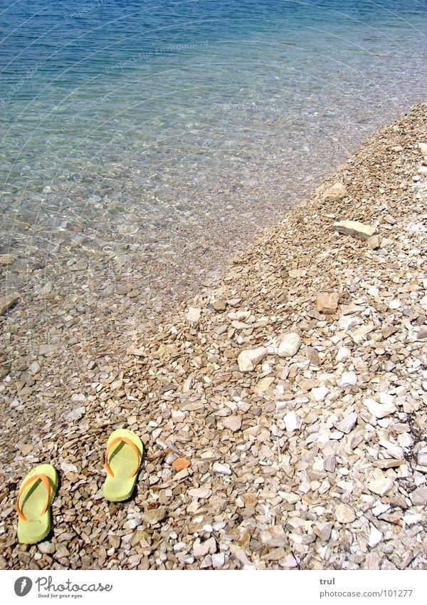 abgestellt Wasser Meer Sommer Ferien & Urlaub & Reisen Ferne Stein Flipflops Schuhe