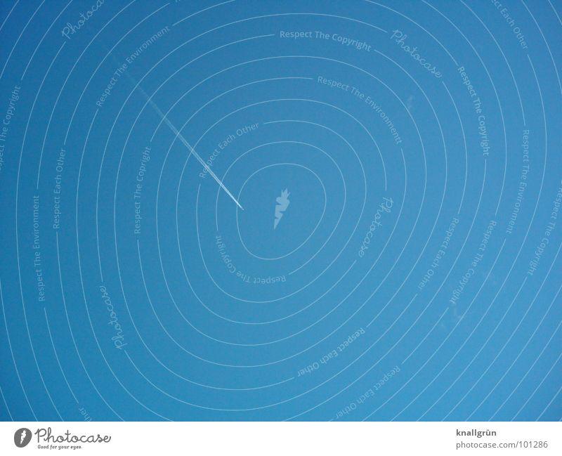 Runter kommt man immer Himmel weiß blau Flugzeug Luftverkehr Schönes Wetter abwärts Kondensstreifen