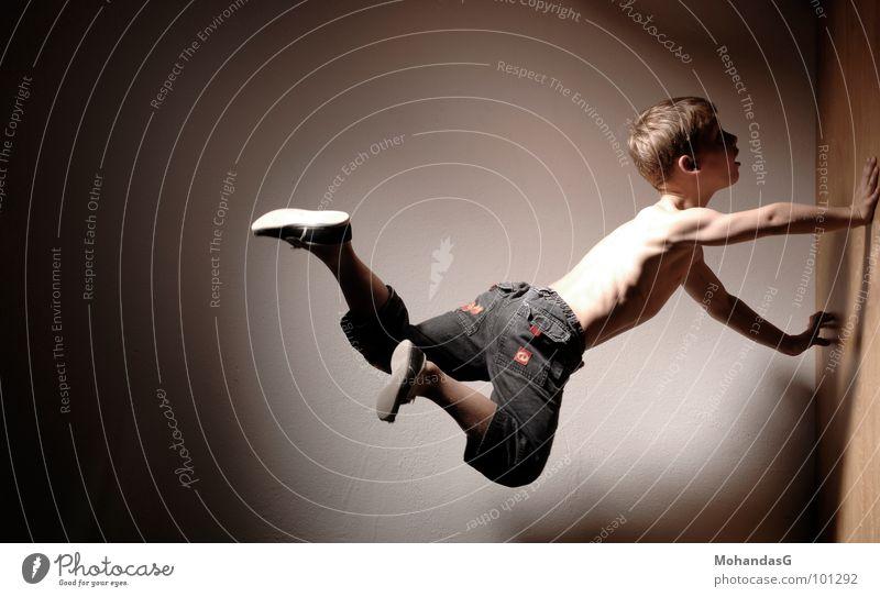 Flugblockade Kind Sport Kraft fliegen Energiewirtschaft Klettern sportlich Muskulatur Akrobatik Kampfkunst