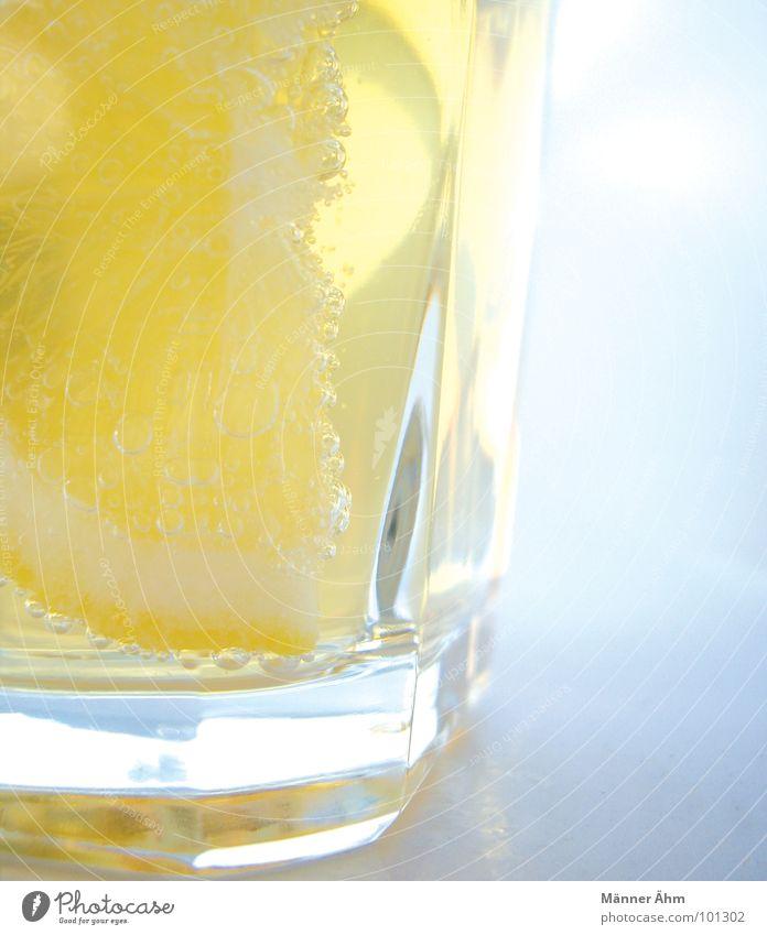Für euch 2 Zitrone Ginger Ale prickeln trinken Sommer Erfrischung Getränk kalt Gastronomie Frucht Wasser erfrischen Durst Glas Sonne Coolness fresh