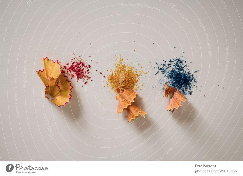 RGB Freizeit & Hobby Tisch Arbeit & Erwerbstätigkeit Büroarbeit Arbeitsplatz Schreibwaren blau gelb rot weiß Farbe Anspitzer Farbstift malen Rest angespitzt