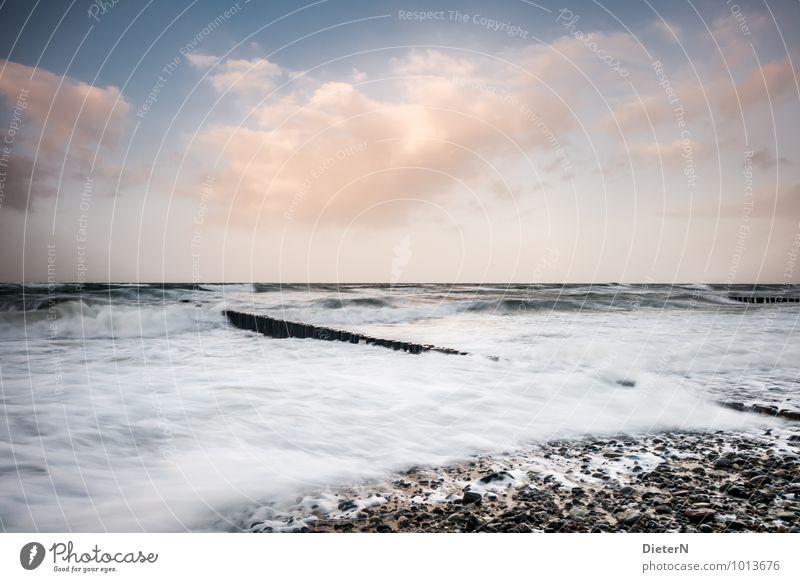Sturm Umwelt Natur Landschaft Wasser Himmel Wolken Wetter Schönes Wetter Unwetter Wellen Küste Ostsee Meer Stein blau braun orange schwarz weiß Kraft Horizont