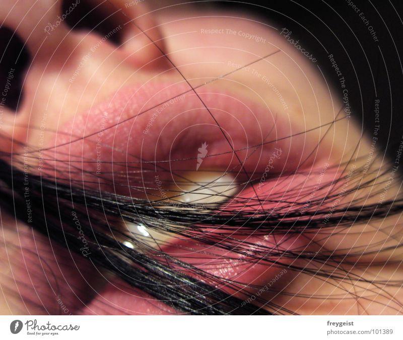 Lust? Frau schwarz Gesicht Gefühle Haare & Frisuren rosa Haut Nase Zähne Lippen hauchen