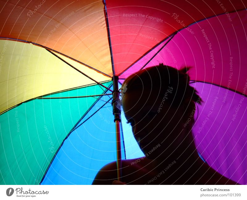 under my umbrella.... Regenschirm Herbst nass mehrfarbig Farbe siluette hell-dunkel-kontrast