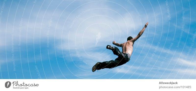 I'm learning to fly.. Luft Luftikus Flugzeug frei Gegenwind springen fallen Ferne Unendlichkeit Sprungbrett Karriere atmen Beginn Durchstarter Freude Spielen