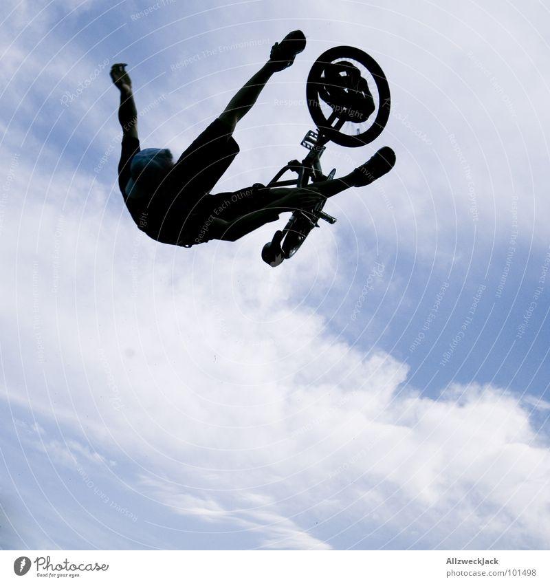 fallin' Himmel Freude Ferne springen Freiheit Luft Fahrrad Flugzeug fliegen frei Beginn hoch Freizeit & Hobby fallen Unendlichkeit Sturz