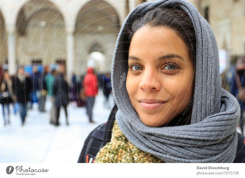 Ana Ferien & Urlaub & Reisen Tourismus Sightseeing Städtereise Mensch feminin Leben Körper Gesicht 1 Menschengruppe 18-30 Jahre Jugendliche Erwachsene