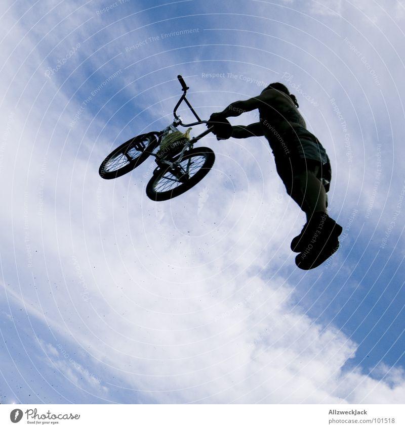 ET's Drahtesel Himmel Freude Ferne Sport Spielen springen Freiheit Luft Fahrrad Flugzeug frei Beginn hoch Luftverkehr fallen Unendlichkeit