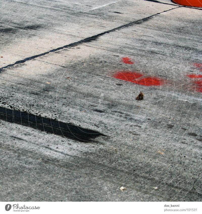 durchtreten rot Freude gelb Straße Spielen Wärme Freiheit Wege & Pfade Bewegung Stil Linie Rücken Freizeit & Hobby laufen Schilder & Markierungen