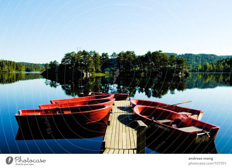 Auf zu neuen Ufern Natur Wasser Baum blau rot ruhig Ferne Holz See Wasserfahrzeug Insel Freizeit & Hobby Steg Norwegen Glätte