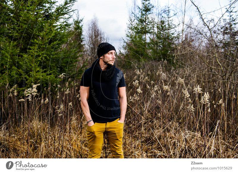Herbstmode Lifestyle elegant Stil maskulin Junger Mann Jugendliche 30-45 Jahre Erwachsene Umwelt Natur Landschaft Klima Sträucher Schilfrohr Nadelbaum Wald Mode