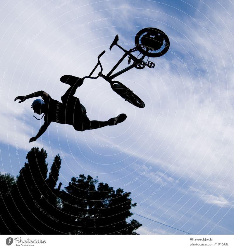 Flugangst Himmel Freude Ferne Sport Spielen springen Freiheit Luft Fahrrad Flugzeug fliegen frei Beginn hoch fallen Unendlichkeit