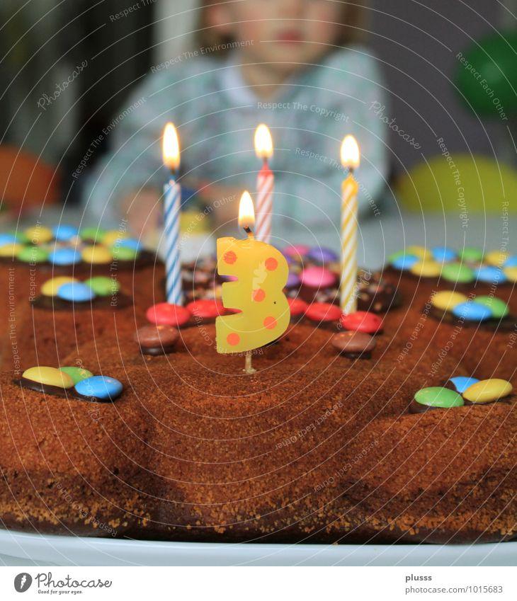Happy Birthday Mensch Kind alt Mädchen Glück Feste & Feiern Party Kindheit Geburtstag Fröhlichkeit 3 Kerze Kleinkind Kuchen Vorfreude Schokolade
