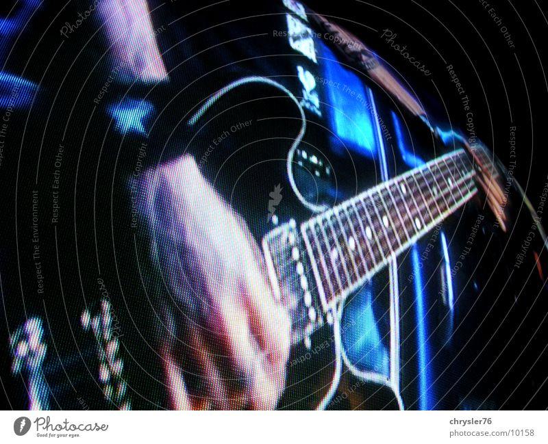 chris shiflett on sreen Bildschirm Bildpunkt Konzert Musik Gitarre Rockmusik blau
