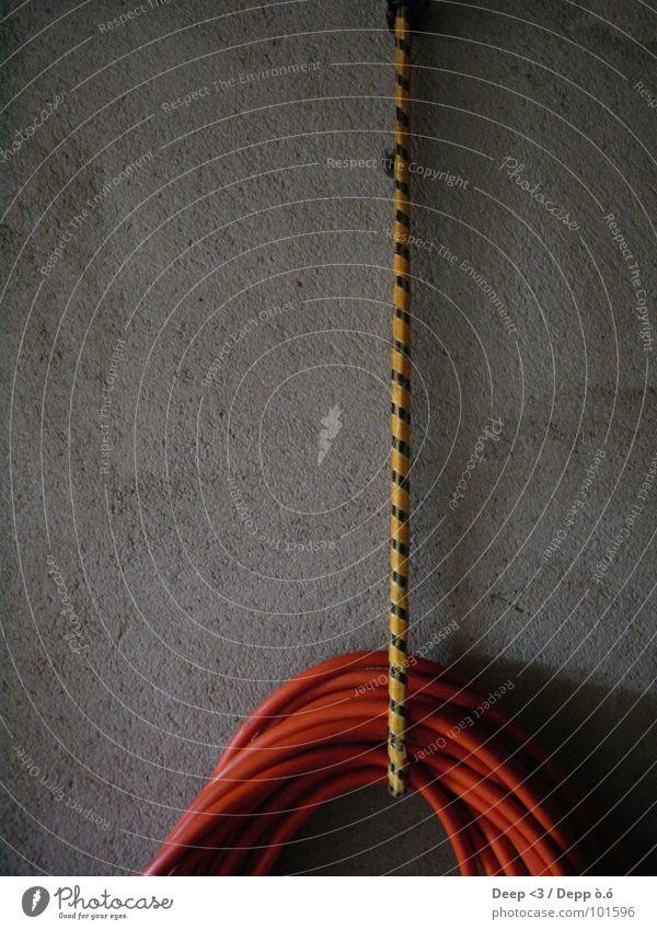 Hang UP ! schwarz gelb dunkel orange Beton Schnur Handwerk Garage Schlauch gestreift Haken elastisch Gummiband