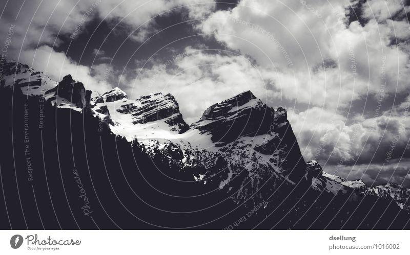 Unzerstörbar Umwelt Natur Landschaft Himmel Wolken Schönes Wetter Alpen Berge u. Gebirge Gipfel Schneebedeckte Gipfel bedrohlich dunkel eckig fest gigantisch