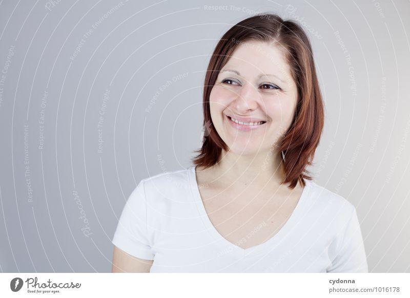 Gut lachen Mensch Jugendliche schön Junge Frau Freude 18-30 Jahre Erwachsene Leben natürlich Glück Gesundheit Freiheit Gesundheitswesen Lifestyle träumen