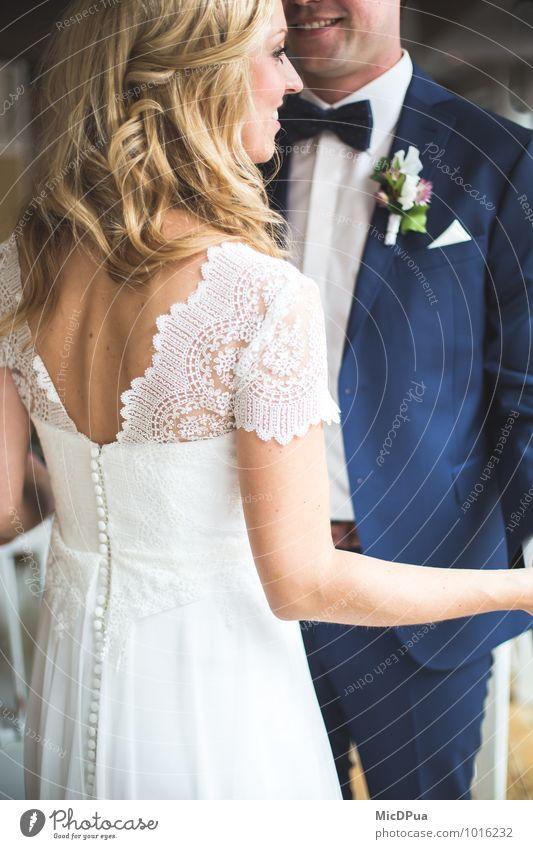 Brautpaar Mensch Frau Jugendliche Mann blau schön weiß 18-30 Jahre Erwachsene Gefühle Liebe feminin Glück lachen Feste & Feiern Paar