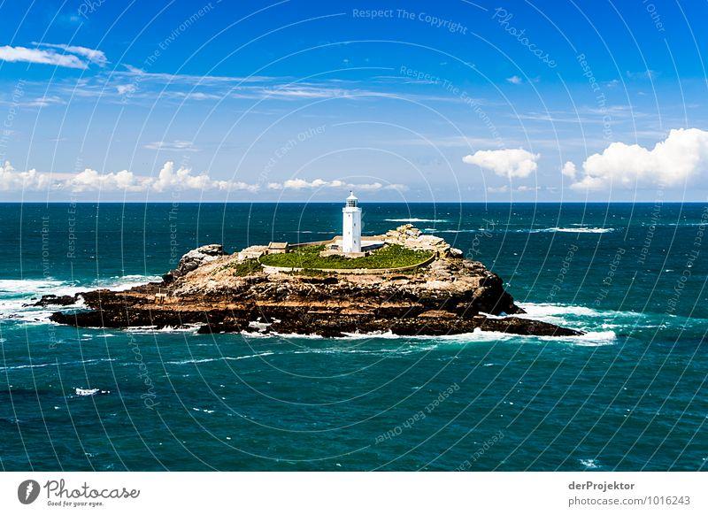 EIne Insel mit einem Leuchtturm Natur Ferien & Urlaub & Reisen Pflanze weiß Meer Landschaft Ferne Umwelt Frühling Küste Freiheit Tourismus Wellen Insel Ausflug Postkarte