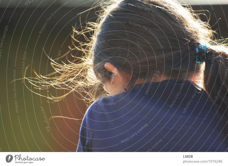 Ruhepause Mensch feminin Kind Mädchen Schwester Kindheit Kopf Haare & Frisuren 1 8-13 Jahre beobachten leuchten Glück natürlich blau braun grün Zufriedenheit