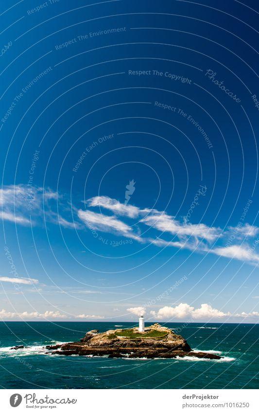 Leuchtturm mit viel blauen Himmel Natur Ferien & Urlaub & Reisen Pflanze Meer Landschaft Tier Ferne Strand Umwelt Frühling Küste Freiheit Tourismus Wellen Insel