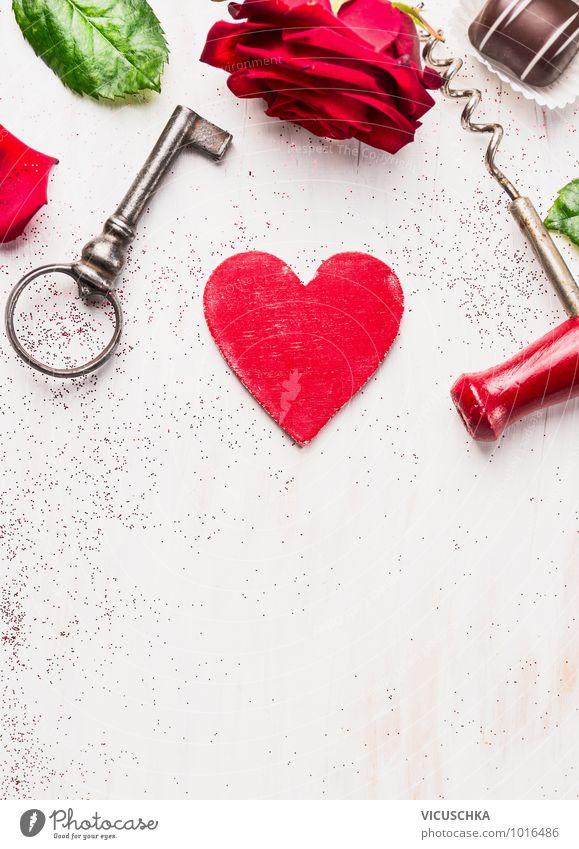 Liebes karte mit Herz,Rose, Schlüssel und Schokolade weiß rot Liebe Gefühle Stil Hintergrundbild Holz Feste & Feiern Design Dekoration & Verzierung Geburtstag Herz retro Zeichen Hochzeit Postkarte