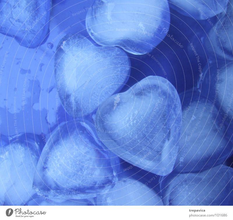 herzen Wasser blau Liebe Farbe kalt Gefühle Traurigkeit Herz Hintergrundbild Wassertropfen nass Trauer Romantik Kitsch Schmerz Verzweiflung