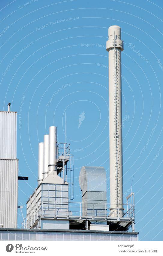 Produktiv blau schön Gebäude Metall Fassade mehrere ästhetisch Technik & Technologie hoch Industrie Schönes Wetter Sauberkeit Niveau Industriefotografie Geländer stoppen