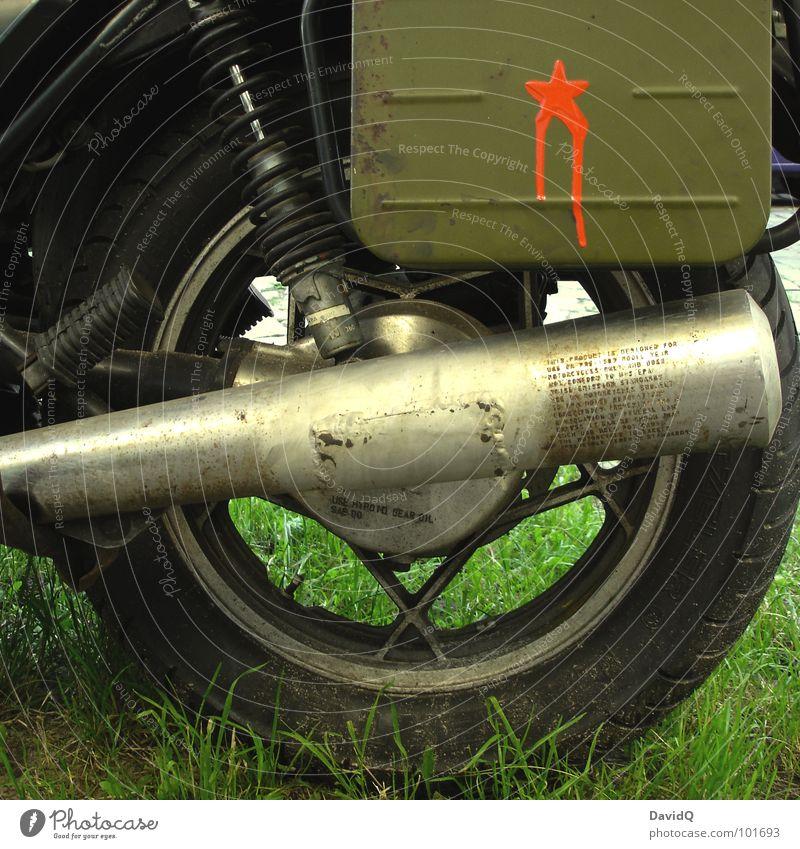 RED STAR ROCKET alt grün Ferien & Urlaub & Reisen Farbe Graffiti Gras fahren Rasen Rost Rad Motorrad Kleinmotorrad Gummi Chrom Schmiererei Wandmalereien
