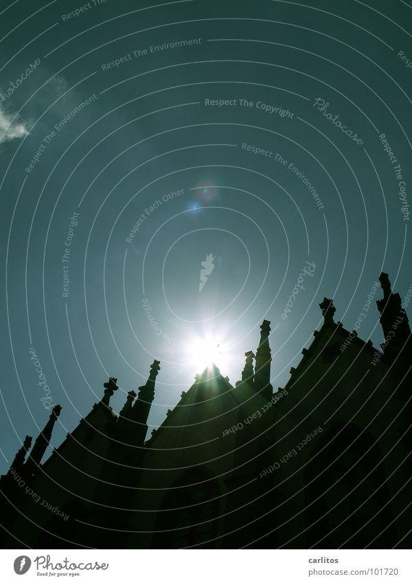 und noch 'ne Kirche Sonne Wetter Religion & Glaube Angst Beleuchtung Show Dekoration & Verzierung gruselig Burg oder Schloss Märchen blenden unheimlich Feiertag