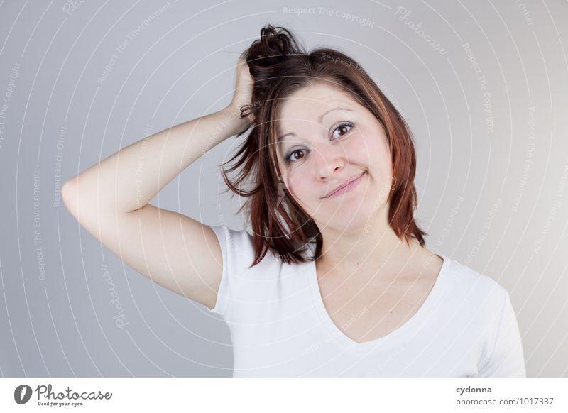 Und nu? Mensch Jugendliche schön Junge Frau 18-30 Jahre Erwachsene Leben Haare & Frisuren Lifestyle Business Beginn Kreativität Studium Idee lernen Hilfsbereitschaft