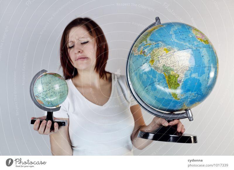 Unausgewogen Lifestyle Ferien & Urlaub & Reisen Wirtschaft Güterverkehr & Logistik Business Wissenschaften Fortschritt Zukunft Mensch Junge Frau Jugendliche