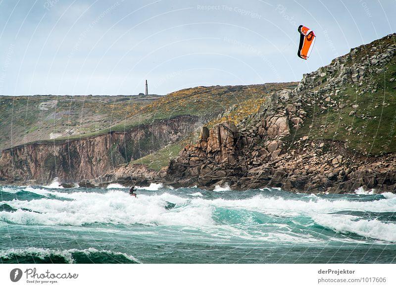 Kitesurfen vor großer Kulisse Natur Ferien & Urlaub & Reisen Pflanze Wasser Meer Landschaft Freude Umwelt Gefühle Küste Frühling Sport Freizeit & Hobby Wellen