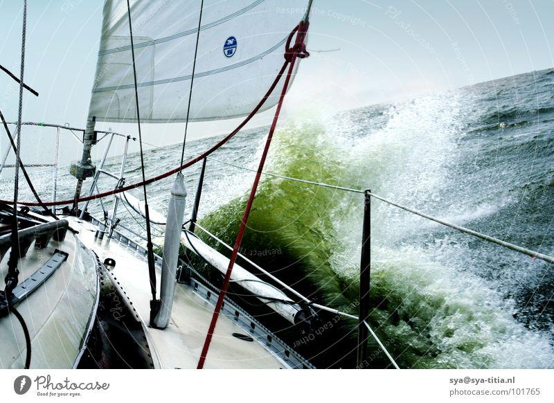 segeln Natur Wasser Ferien & Urlaub & Reisen Sport Spielen Freiheit Wellen Wind Freizeit & Hobby Segeln Wasserfahrzeug Segelboot Jacht Gischt Sportboot