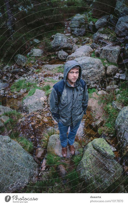 Natur Ferien & Urlaub & Reisen Jugendliche Erholung Junger Mann Freude Berge u. Gebirge Umwelt Leben Frühling Gefühle Stil Freiheit Lifestyle Stimmung Felsen