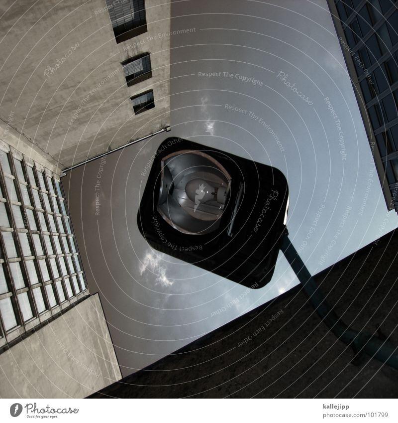 stück himmel Himmel Stadt Leben Fenster Landschaft Lampe Architektur Raum Beleuchtung Beton Hochhaus Fassade rund Niveau Häusliches Leben Laterne