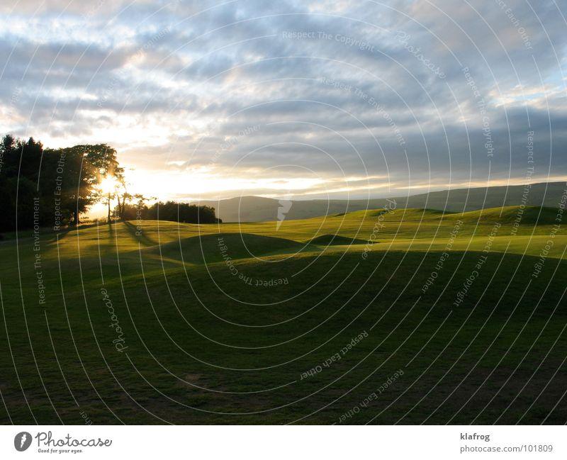 3 par und dunkel ruhig Spielen Gras Garten Park Stimmung Rasen Golf Abenddämmerung Golfplatz Auenland Grünpflanze Bunker Himmelskörper & Weltall Rasenmäher
