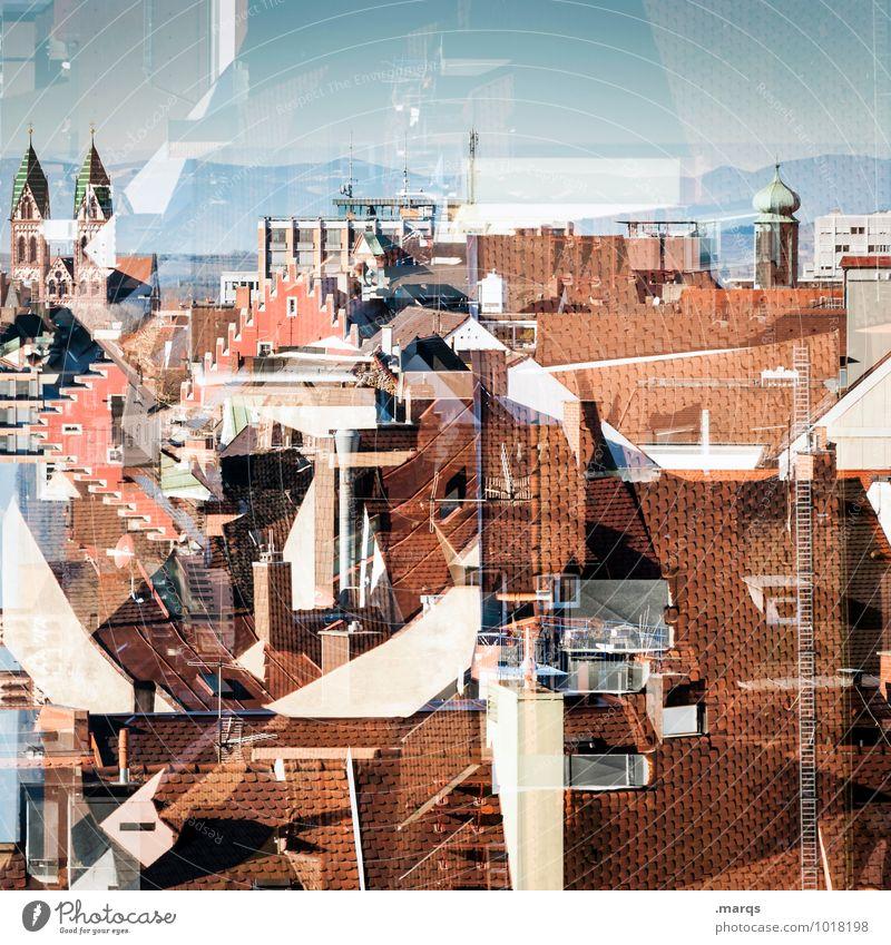 Freiburger Perspektiven Stadt Haus Architektur Gebäude außergewöhnlich verrückt Kirche Schönes Wetter Dach Turm Bauwerk Wolkenloser Himmel chaotisch Irritation