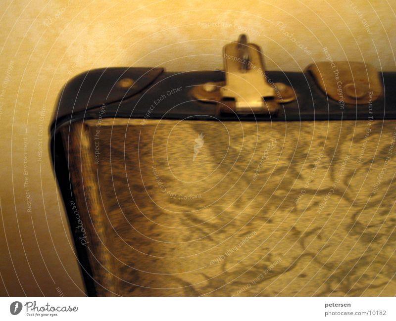 Koffer(raum) Ferien & Urlaub & Reisen gelb Hotel obskur Koffer altmodisch