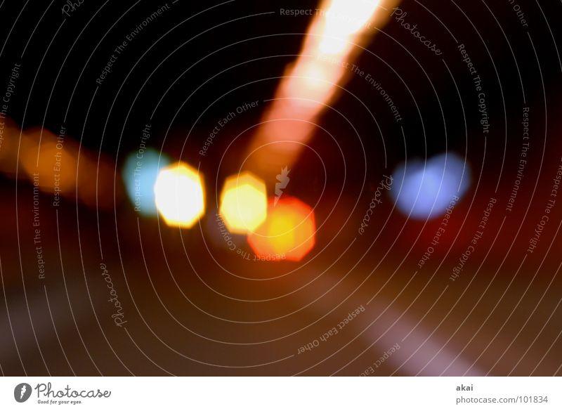 Tunnel 2 Belichtung Lichtspiel Experiment Streifen Studie krumm Autofahren grün gelb Langzeitbelichtung Verkehr streifenlicht akai Versuch jörg joerg