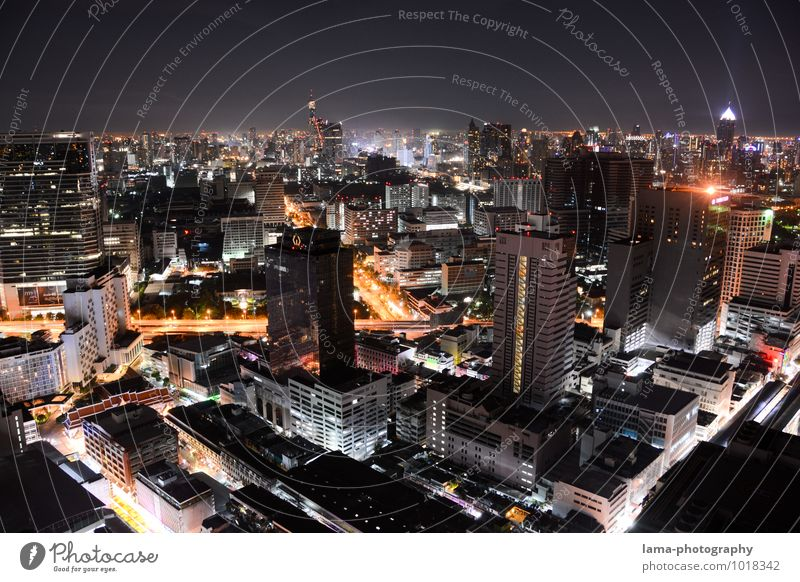 One Night in Bangkok II Stadt Haus Straße Architektur Gebäude Energiewirtschaft Business Verkehr Hochhaus Zukunft Asien Skyline Hauptstadt Verkehrswege Thailand