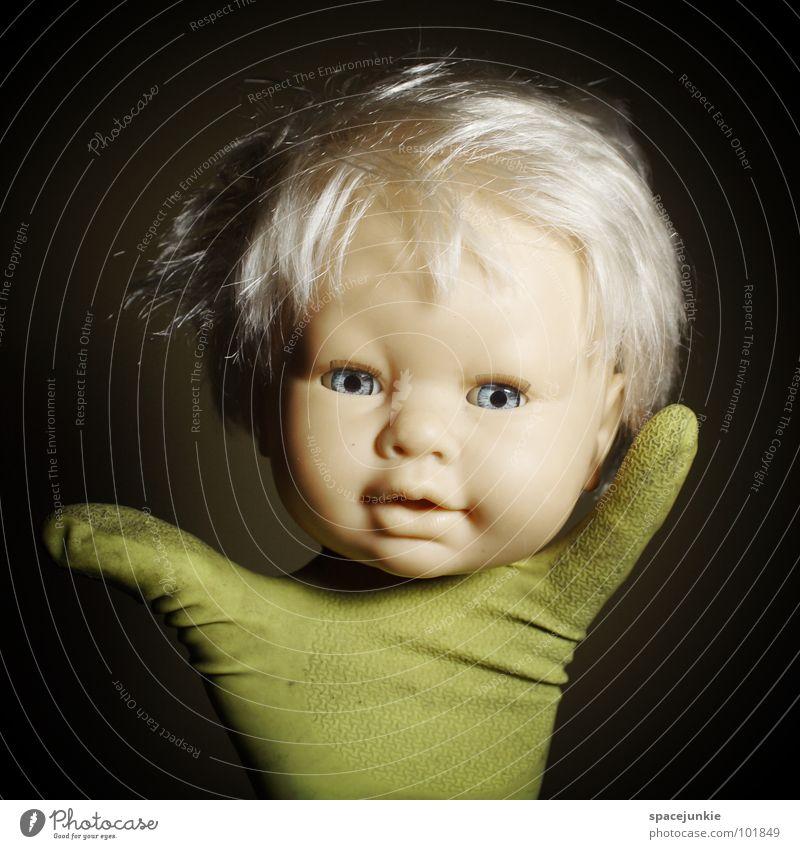 hand puppet (1) Spielzeug bedrohlich beängstigend blond Chucky gruselig Horrorfilm böse süß niedlich skurril Hand Handschuhe Handpuppe Marionette Freude Puppe
