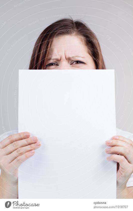 Dislike Mensch Jugendliche Junge Frau 18-30 Jahre Erwachsene Gesicht Leben Lifestyle Business Beginn Textfreiraum Kommunizieren Studium Idee Papier Hilfsbereitschaft