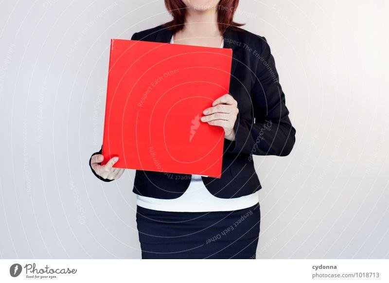 Gut beraten Mensch Jugendliche Junge Frau rot 18-30 Jahre Erwachsene Leben sprechen Arbeit & Erwerbstätigkeit Business Büro Erfolg Kommunizieren Zukunft Studium
