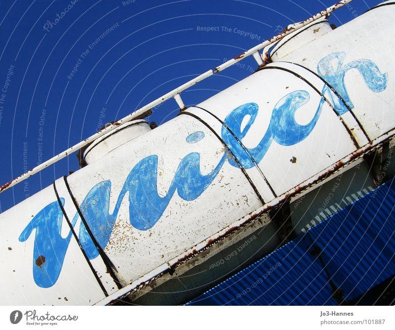 Milch in blau blau alt weiß frisch Ernährung Getränk Industrie Güterverkehr & Logistik Kuh Lastwagen DDR Milch Behälter u. Gefäße Wagen Milcherzeugnisse Café