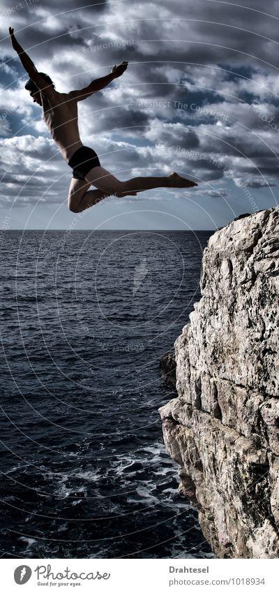 Flügelschlag Mensch Himmel Ferien & Urlaub & Reisen Jugendliche Sommer Meer Wolken Erotik Junger Mann Freude 18-30 Jahre Erwachsene Küste Glück Gesundheit